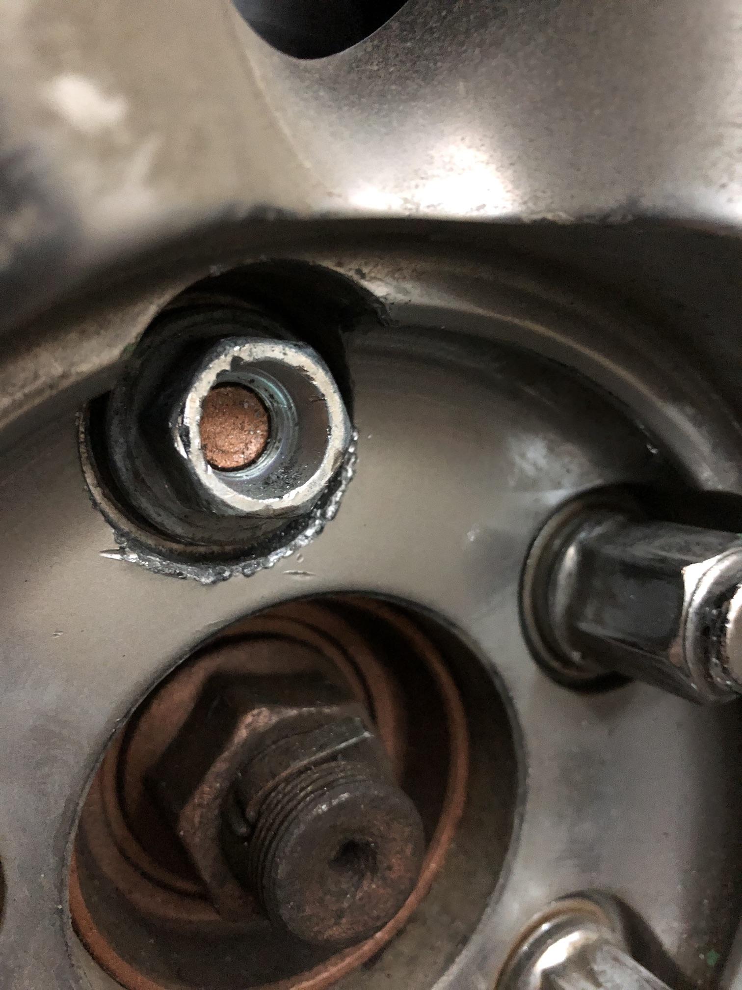 Болт колесный Nissan
